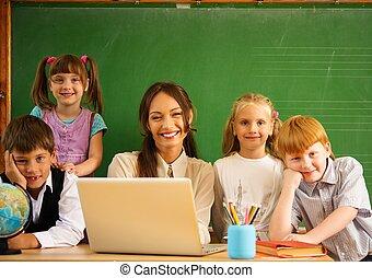 grupo, feliz, compañeros de clase, su, profesor,...