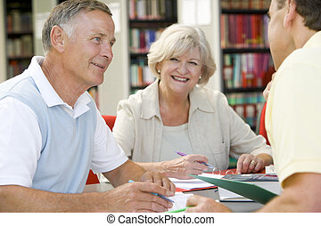tres, gente, biblioteca, escritura, cuadernos, (selective,...