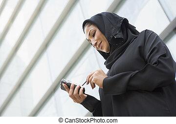 femme affaires, Dehors, bâtiment, utilisation,...