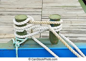 mooring bollards with heavy duty mooring ropes