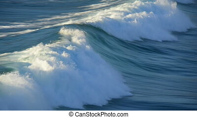 wave rolling in slow motion 11109