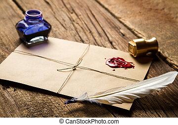 Primer plano, pluma, sobre, rojo, Sellador, tintero