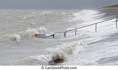 Extreme high tide in the Netherlands - Extreme high tide at...