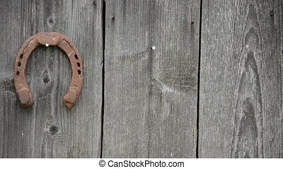 hand hang horse shoe - hand hang retro rusty horse shoe...