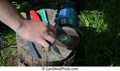hand knife sharpening - Hand sharpening knife with electric...
