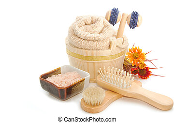 Wooden bucket with SPA accessories with Himalayan Salt scrub...