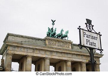 Brandenburg Gate from Pariser Platz in Berlin