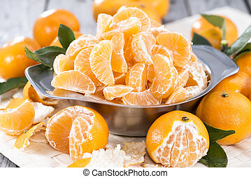 Fresh Tangerines - Fresh Tangerine Pieces in a bowl
