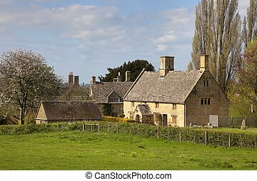 Cotswold cottages - Cottages in the small village of Aston...