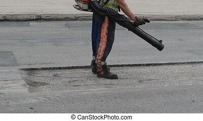 street worker tool clean