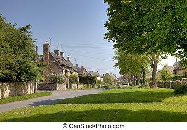 Kingham, Oxfordshire - The Cotswold village of Kingham,...