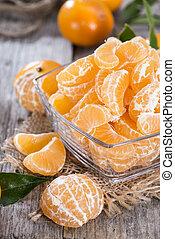 Heap of fresh Tangerines - Heap of fresh Tangerine Pieces