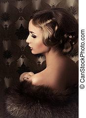 vintage portrait - Vintage portrait of a beautiful woman