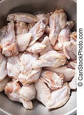 pollo, alas, metal, tazón
