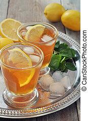 Ice tea with lemon
