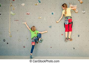 二, 很少, 女孩, 攀登, 岩石, 牆
