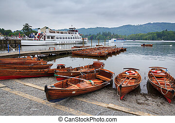 Windermere Lake District - Lake Windermere in the English...