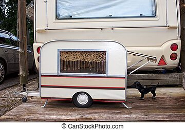Tiny Model Caravan For A Dog. - Tiny model caravan for a...