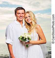sposo, spiaggia, Romantico, giusto, coppia, sposato, sposa, recentemente