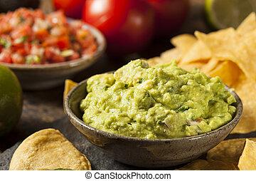 verde, casero, guacamole, tortilla, pedacitos