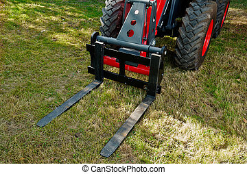 Industrial fork lift tractor - Details of a new industrial...