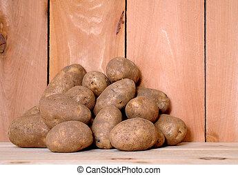 russet potato in market place
