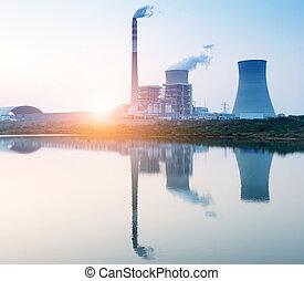 核, エネルギー