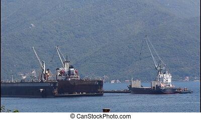 Shipyard, the ships