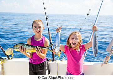 niñas,  fisherwomen, Peces, coger, Atún, niño, feliz