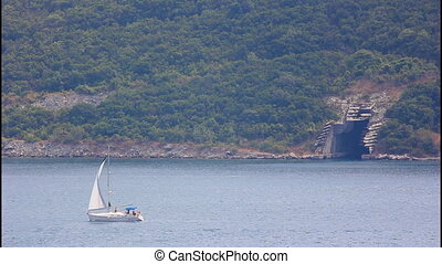 Sailing ship, submarine tunnel