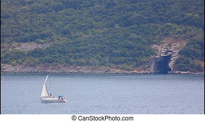 Sailing ship, submarine