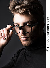 glasses fashion - Portrait of an imposing man in elegant...