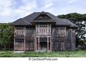 Ancient wood house - This is an ancient wood house at Payao...