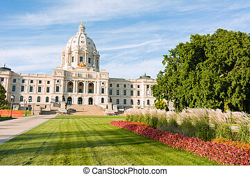 Minnesota Capital Garden - Minnesota State Capital Building...