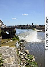 Fiume Arno, Firenze - Splendida vista sulla pescaia del...