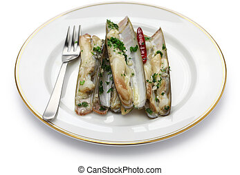 steamed razor shells with chilli,garlic and white wine