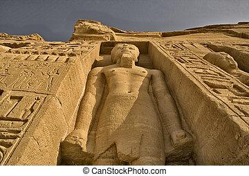 Queen Nefertari temple huge sculpture - Hugh standing...