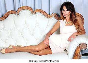 Elegant beauty posing - Beautiful brunette woman...