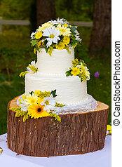 White Wedding Cake Detail - Beautiful white wedding cake in...