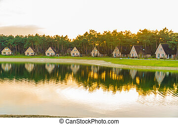 Bungalows near by the water - Nice bungalows in a...