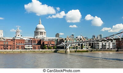 Time lapse of St. Paul's Cathedral - Time lapse sequence of...