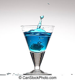 Blue cocktail - Splashing blue cocktail