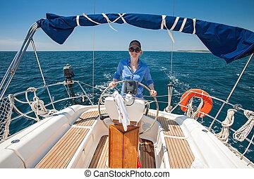 joven, mujer, posición, Timón, barco, contra,...