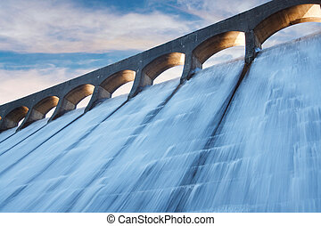 Clatteringshaws dam - Clatteringshaws Loch reservoir in...