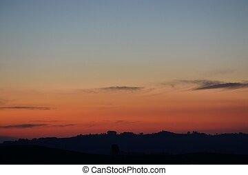 Horizont zur blauen Stunde - Abendstimmung zur blauen Stunde