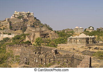 Rajasthani Fort - Huge 15th century fortress at Kumbhalgarh...