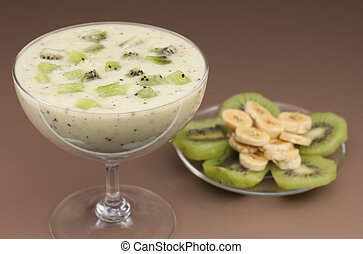 Smoothie banana  and kiwi. -  