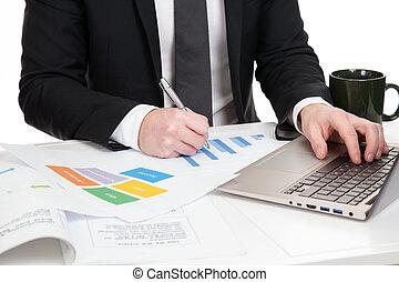 homem negócios, dados, analisar