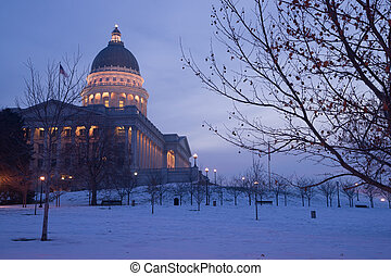 Winter Deep Freeze Sunrise Landscape Utah State Capital -...
