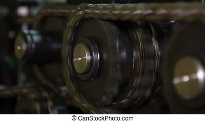 Chain mechanism. - Chain mechanism of the press machine.